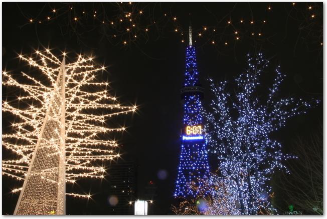さっぽろ雪まつりライトアップされたテレビ塔の様子