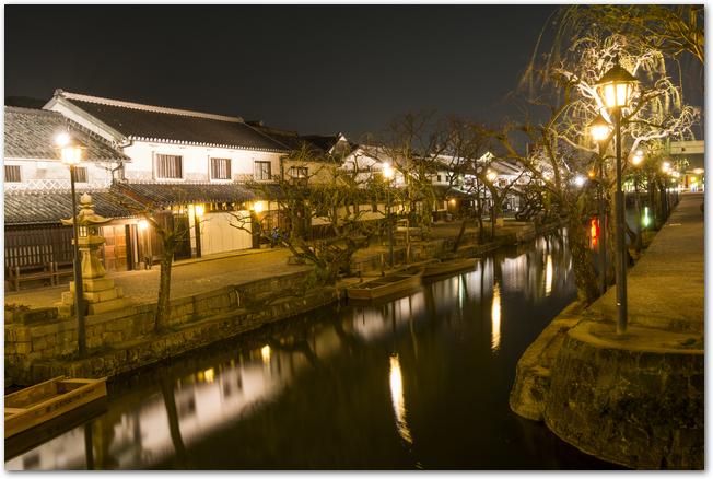 倉敷美観地区のライトアップされた夜景