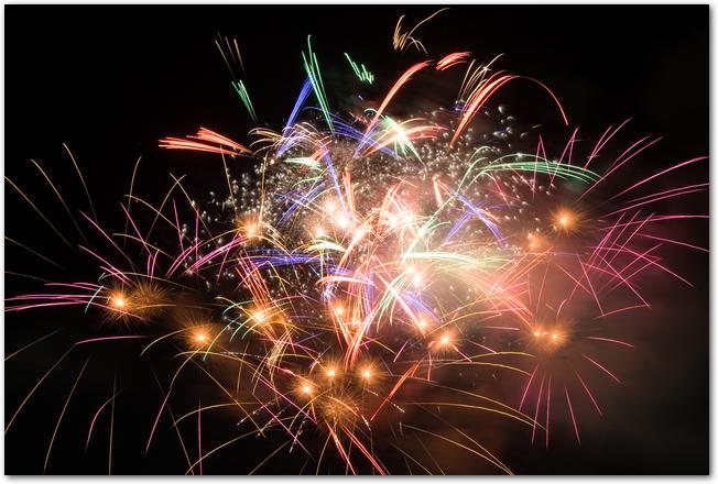 神宮外苑花火大会で打ち上げられた花火