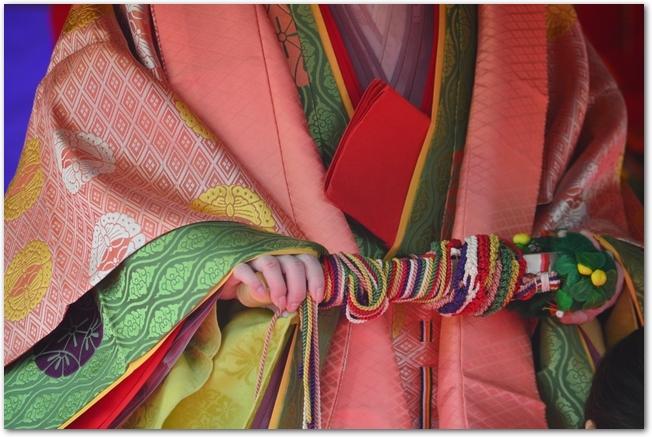十二単を着た女性の衣装のアップ