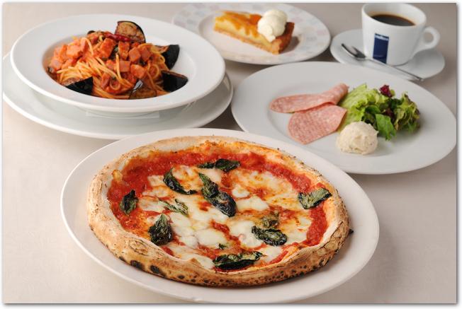 ピザをメインにしたイタリアンのランチ