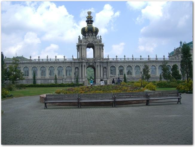 有田ポーセリングパークのツヴィンガー宮殿